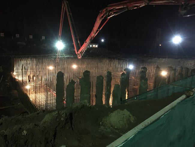 靖江市上九圩港泵站泵室底板浇筑夜景